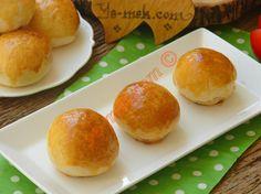 Evdeki malzemeler ile kolayca yapabileceğiniz pastane usulü minik sandaviç ekmekler... Aynı tat, aynı lezzet...