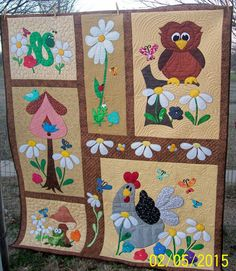 Oli Owl, Harriet Hen and Friends- Dang this is cute! No pattern. An original design. From the QB Oli Owl, Harriet Hen and Friends- Dang this is cute! No pattern. An original design. From the QB Amische Quilts, Cute Quilts, Girls Quilts, Small Quilts, Baby Quilts, Baby Quilt Patterns, Applique Patterns, Applique Quilts, Owl Patterns
