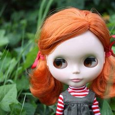 Flora looking very sweet! I think she might even have a little smile on her face :)  #blythe - @scrapbag- #webstagram
