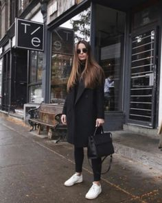 Black coat outfit with white sneakers, # . - Black coat outfit with white sneakers, outfit - Black Coat Outfit, White Sneakers Outfit, Black Turtleneck Outfit Winter, White Reebok, Sneakers Adidas, Dress Black, Winter Fashion Outfits, Fall Winter Outfits, School Outfits