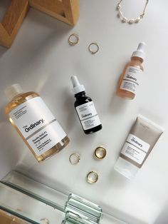 Discover the four healthy lifestyle habits you can enhance with The Ordinary skincare #beautyblog #beauty #belleza #beautyproducts #productosdebelleza #skincare #cosméticos #theordinary #theordinaryserums #theordinaryreviews #theordinaryopiniones
