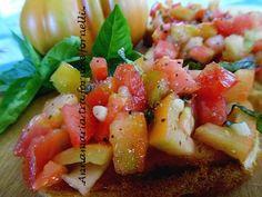 #BRUSCHETTA CON #POMODORO #antipasti #ricettebloggerriunite http://blog.giallozafferano.it/iannamaria/bruschetta-con-pomodoro/