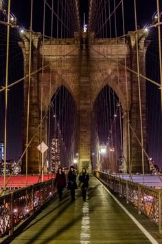 about-usa:  Brooklyn Bridge - New York City - New York - USA (byAndrew Moore)