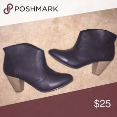 Black booties Super comfortable, great condition, adorable, easy to walk in! Shoes Ankle Boots & Booties