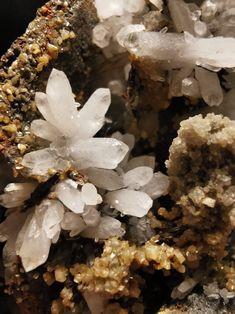 Macro Shots, Mineralogy, Eastern Europe, Macro Photography, Geology, Quartz, Crystals, Nature, Naturaleza