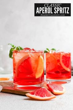There's a reason Aperol Spritz are one of the most popular cocktails in the world. Three simple ingredients, fast to make, refreshing and fizzy. A fantastic mix of flavors. Refreshing Cocktails, Easy Cocktails, Summer Cocktails, Drinks, Most Popular Cocktails, Best Cocktail Recipes, Italian Cocktails, Classic Cocktails, Aperol Spritz Recipe