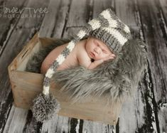 Newborn Knot Hat Newborn Photo Prop Baby Girl por VioletsPlayground
