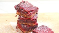 Red Velvet Cookie Bar - She Makes This Cookie Bar From Two Boxed Mixes For Valentine's Day, But Everyone Thinks They're Homemade : Key Recipes Pillsbury Cookie Dough, Cookie Dough Ingredients, Eating Raw Cookie Dough, Red Velvet Cookies, Velvet Cake, Valentine Desserts, Valentine Cookies, Valentines Diy, Cookie Bars
