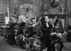 Gomez And Morticia Addams Have The Best Marriage Ever.Look who's combing Uncle Fester's hair! Original Addams Family, The Addams Family 1964, Addams Family Tv Show, Adams Family, Morticia Addams, Gomez And Morticia, Los Addams, Munster Family, Wednesday Addams