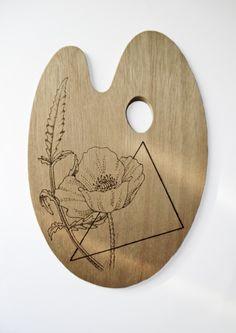 Pirografía en madera de una amapola. Pyrography in wood of a poppy.