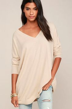 Wherever your travels take you, you'll be stylish and comfy in the Ticket to Cozy Beige Oversized Sweater! Soft and stretchy knit fabric starts at a ribbed V-neck and flows into long sleeves (with ribbed cuffs). An extra long, oversized bodice allows unlimited styling possibilities.
