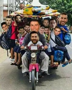 Brazil ruled out from world cup Let's cheer Guys Funny Texts Jokes, Jokes Pics, Funny Memes, Hilarious, Neymar, Ronaldo Football, Football Memes, Messi Funny, Messi Pictures