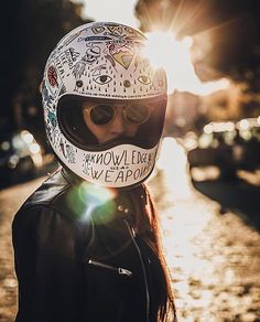 Sexy Motors and Lifestyle Women Riding Motorcycles, Female Motorcycle Riders, Custom Motorcycle Helmets, Motorcycle Outfit, Biker Chick, Biker Girl, Chicks On Bikes, Motorbike Design, Bike Photography
