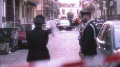 Si è sparato nelle strade di Castellammare di Stabia, in provincia di Napoli. http://tuttacronaca.wordpress.com/2013/11/19/agguato-in-strada-nel-napoletano-ucciso-un-48enne/