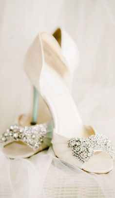Love the sparkly bows on these Betsey Johnson Bridal shoes! Love the sparkly bows on these Betsey Johnson Bridal shoes! Wedding Heels, Mod Wedding, Ivory Wedding, Bridal Heels, Wedding Music, Glamorous Wedding, Church Wedding, Dress Wedding, Betsey Johnson