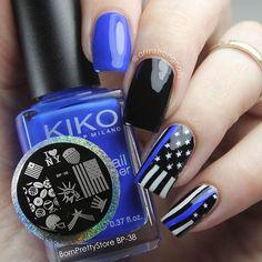 Line Nail Designs, Holiday Nail Designs, Holiday Nails, Line Nail Art, Cool Nail Art, Lexi Nails, Iris Nails, Black And Blue Nails, Color Block Nails