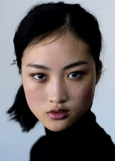 Jing Wen // Hair: black - Eyes: black - Height: 177 cm - Background: Chinese - Nationality: Chinese