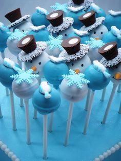 dafür kann ich mein weihnachtliches esspapier nehmen... ob man esspapier ausstanzen kann??? winter - snowmen and snowflake cake pops