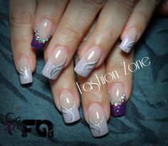 Nails.  MUY SWEET-- Diseño hecho en Fashion Zone Monterrey 8348.9999. Especialistas en uñas acrílicas.