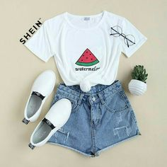 Cute Outfits With Short Leggings around Womens Clothes Shops Reigate half Women's Clothing Catalogs Online List its Cute Casual Outfits Crop Top Teenage Girl Outfits, Girls Fashion Clothes, Teen Fashion Outfits, Mode Outfits, Outfits For Teens, Teen Clothing, Tween Fashion, Night Outfits, Emo Fashion