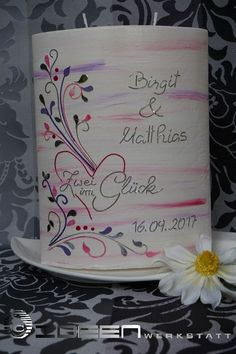Zwei im Glück... Hochzeitskerze mit zartem Muster in lila, pink und silber