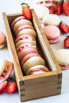 These are my Strawberry Macarons, filled with a delicious Strawberry Cream Cheese Frosting, made with freeze dried strawberries Strawberry Macaron, Strawberry Salsa, Chocolate Strawberry Cake, Strawberry Cakes, Macaron Filling, Macaron Recipe, Oven Dried Strawberries, Strawberry Cream Cheese Frosting, Chocolate Oatmeal Cookies