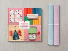1 cahier + 2 petits coupons ou + 1 coupon moyen de Vinyle Laqué Perforé<sup>®</sup>