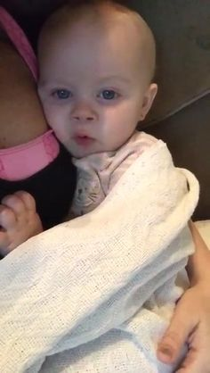 """Mom Tells Baby Girl """"I Love You."""" Internet Can't Stop Laughing At Baby's Comeback I Love You, My Love, Can't Stop Laughing, Cute Kids, Comebacks, Daughters, Cute Pictures, Funny Stuff, Internet"""
