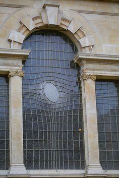 St. Martin's Window, Trafalgar Square