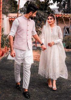 Pakistani Fashion Party Wear, Pakistani Bridal Wear, Pakistani Outfits, Stylish Dresses For Girls, Stylish Dress Designs, Nice Dresses, Asian Bridal Dresses, Bridal Outfits, Girls Fashion Clothes