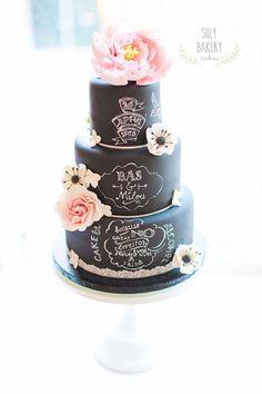 Chalkboard Wedding Cake Design Chalkboard wedding cake with handmade flowers Whimsical Wedding Cakes, Black Wedding Cakes, Beautiful Wedding Cakes, Gorgeous Cakes, Wedding Cake Designs, Amazing Cakes, Elegant Wedding, Wedding Reception, Bolo Chalkboard