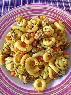 Curryrahmnudeln mit Hack, ein gutes Rezept aus der Kategorie Pasta & Nudel. Bewertungen: 409. Durchschnitt: Ø 4,2.