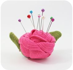 Rick Rack Rose Pin Cushion - I never even thought about that!