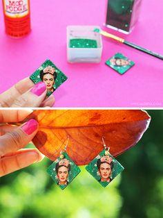 Haz unos aretes decoupage de Frida Kahlo. Super facil y ligeros! | Live Colorful