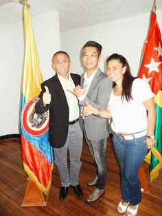 Mr. BUDIMAM SALIM EN COLOMBIA - BUCARAMANGA, IMÁGENES ~ DXN Productos con Ganoderma Lucidum, afiliación mundial, Distribuidor Independiente