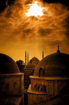 Hagia Sophia: Istanbul, Turkey (en la lente del fotógrafo Kenan Budakoğlu).