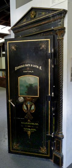 Diebold Vault Door originally installed in Castle Rock, Wa in 1904.  I removed it in 1997 and it was then donated to the City Museum, where it is on display.