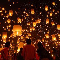 Festival de las linternas flotantes en Tailandia