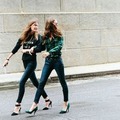- skinny jeans -