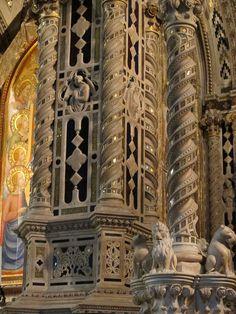 Chiesa di Orsanmichele, Firenze - Andrea di Cione, l'Orcagna - Tabernacolo con Storie della Vergine - Marmo, lapislazzuli, oro e intarsi in vetro - 1349-1359