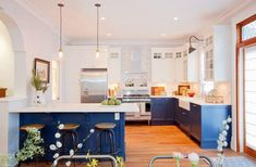 Ideas que mejoran tu vida Cocina pintada azul
