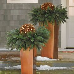 perfect for front porch steps - ornaments in place of lit spheres