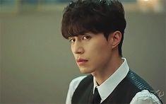 If you're not watching Goblin - he is judging you Asian Actors, Korean Actors, Korean Dramas, Lee Dong Wook Goblin, Lee Dong Wook Smile, Lee Dong Wok, Goblin Korean Drama, Goblin Kdrama, Bff
