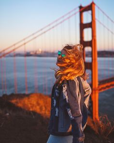 How to take the best photo of the Golden Gate Bridge. Learn the secret spots in San Francisco to view the Golden Gate Bridge - read here: http://whimsysoul.com/tips-golden-gate-bridge/ #sanfrancisco #goldengatebridge #denimjacket