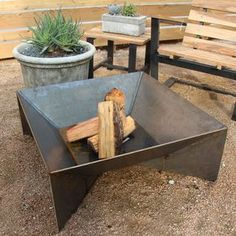 Fin Steel Fire Pit- i feel as if this could be easily made with some plate steel and a welder.