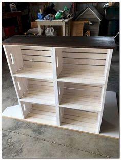 DIY bútorok Wooden crate bookshelf DIY How Contemporary Office Furniture Can Help Yo Wooden Crate Shelves, Crate Bookshelf, Wooden Crate Kitchen Storage, Crate Shelving, Wooden Crate Furniture, Diy Wooden Crate, Diy Shelving, Diy With Crates, Build A Bookshelf