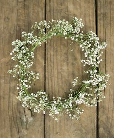 New baby diy easy simple ideas Baby Breath Flower Crown, Babys Breath Flowers, Flower Crown Wedding, Wedding Flowers, Flower Crowns, Flower Girls, Baby Crowns, Babys Breath Wreath, Simple Flowers