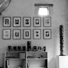 Alban LANORE / Sculpture and paperwork in studio.