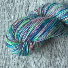 Nieuw in mijn shop. Heerlijke sokkenwol in frisse kleuren. Natuurlijk zijn er nog meer nieuwe listings. Kom gauw kijken en sla je slag.