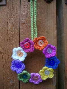 Flowery Circle by buttontreecrafts, via Flickr